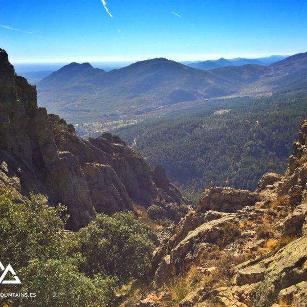 Vistas bajando desde el Pico Abantos