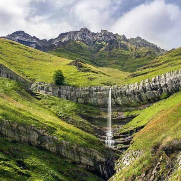 1.cantabria-infinita-valles-pasiegos-three-mountains
