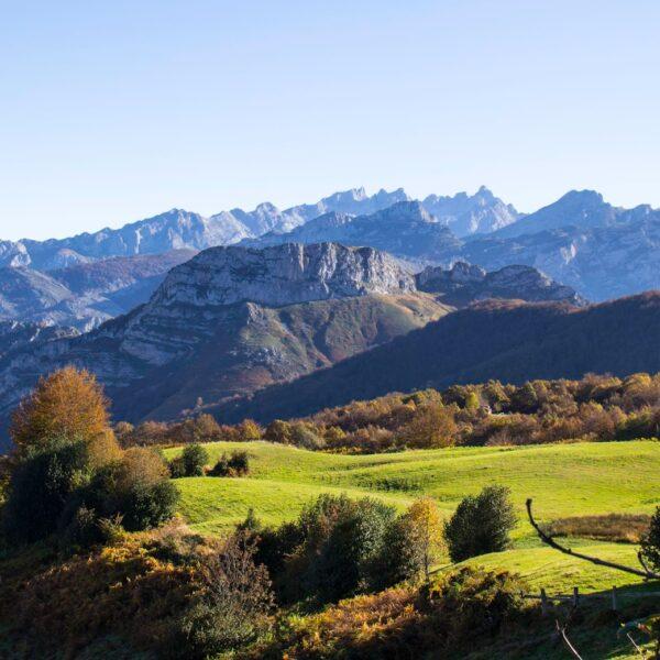 Parque Natural de Ponga con Three Mountains