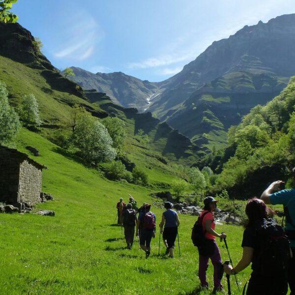 5.cantabria-infinita-valles-pasiegos-three-mountains